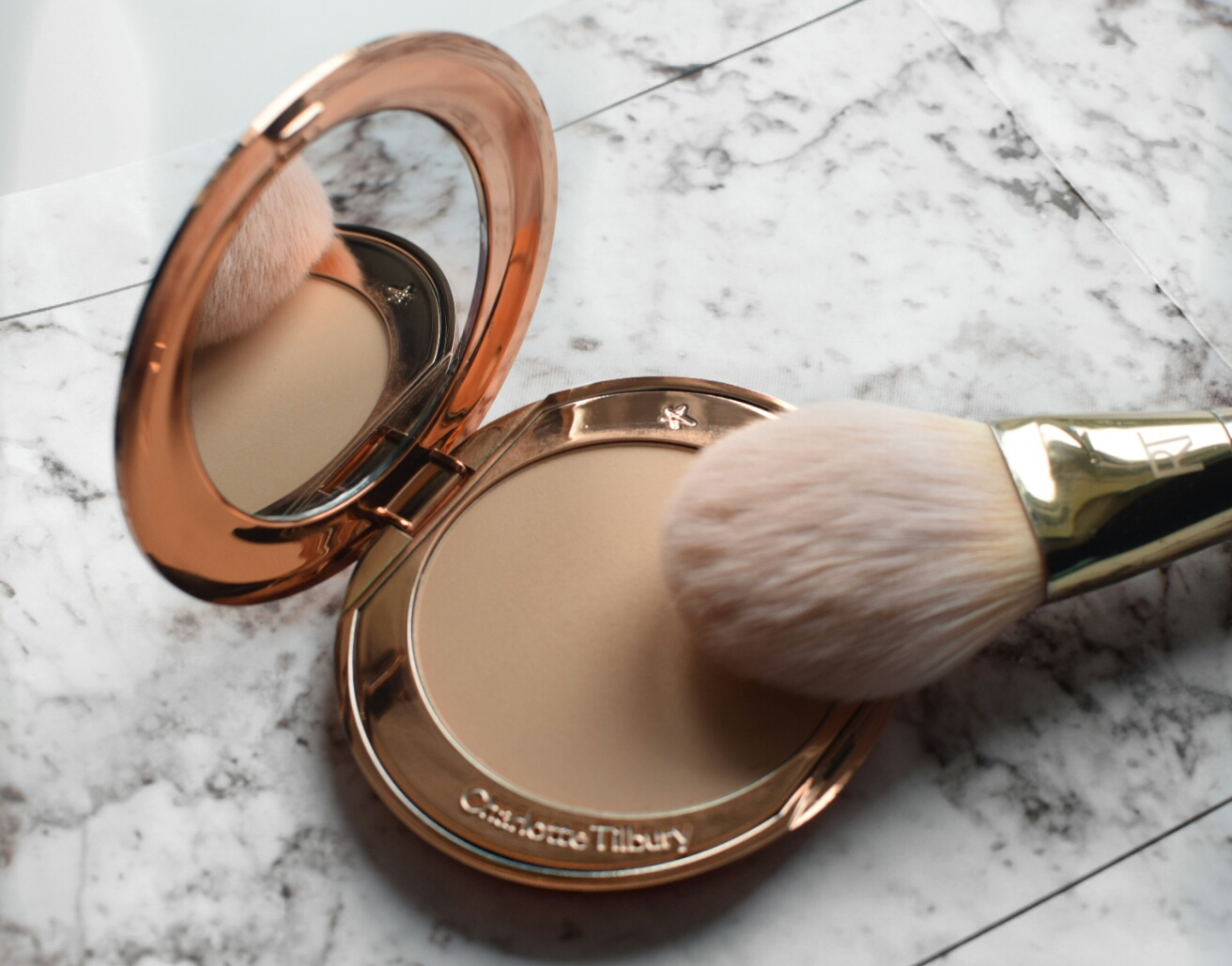 charlotte tilbury Airbrush Pressed powder