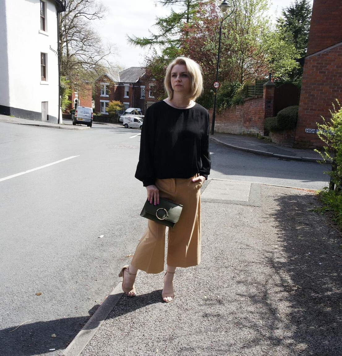 River Island Camel Culottes,H&M Black Low V Back Top,Olive Green Clutch and Nude Heels New Look.