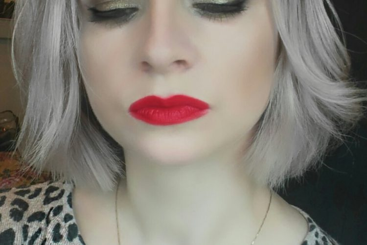Gold eyes and Red lip Make up look