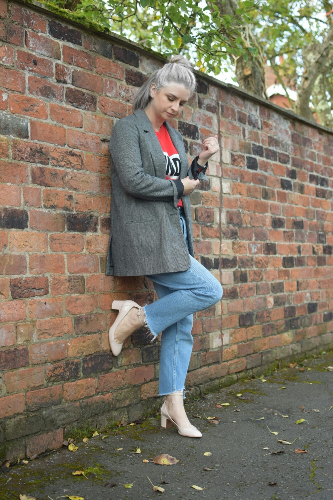 NewLook Red Jumper Topshop MOM Jeans Zara Jaquard Blazer Topshop Nude Courts